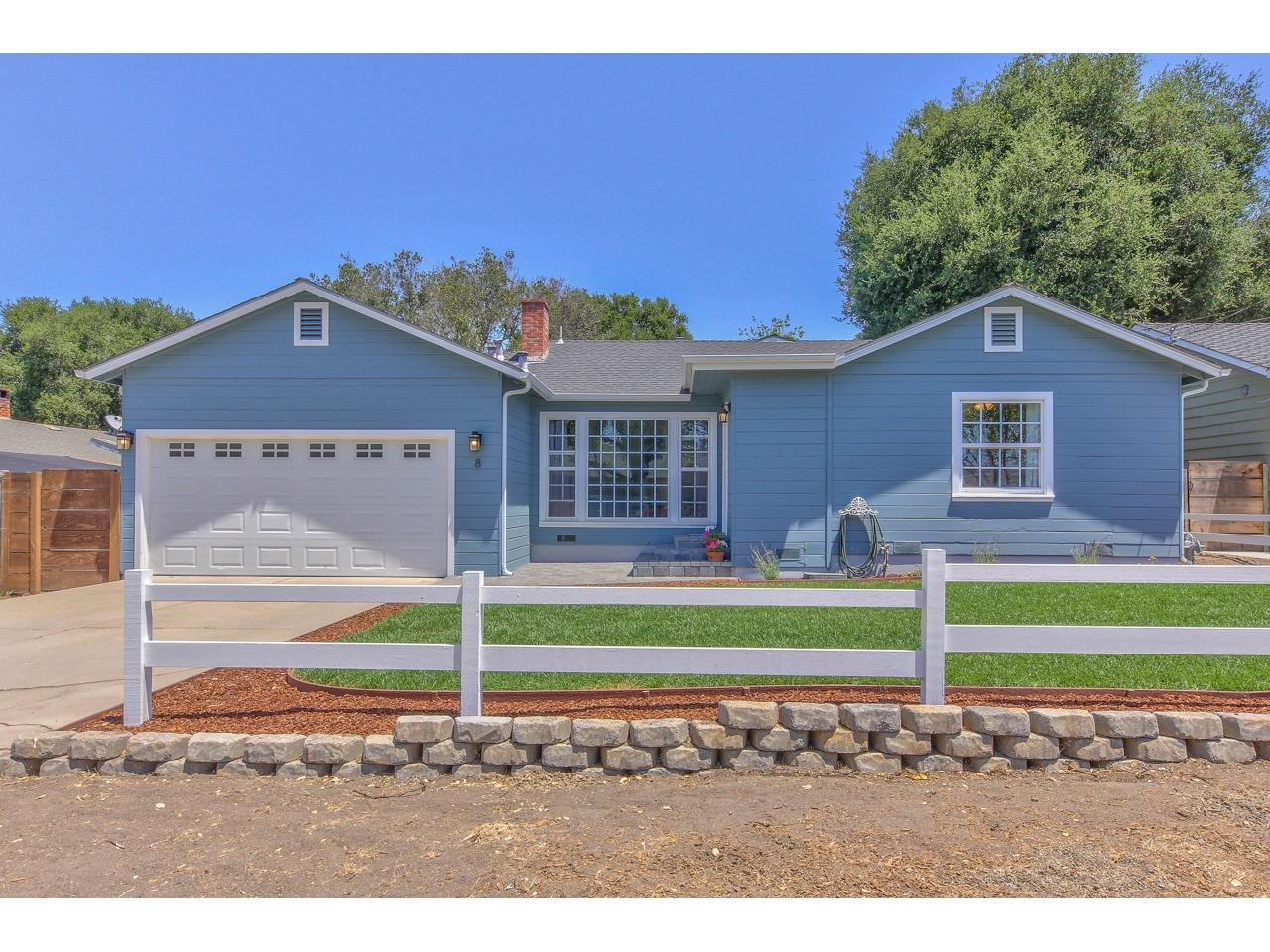 Detail Gallery Image 1 of 1 For 8 Paseo Primero, Salinas,  CA 93908 - 2 Beds   2 Baths