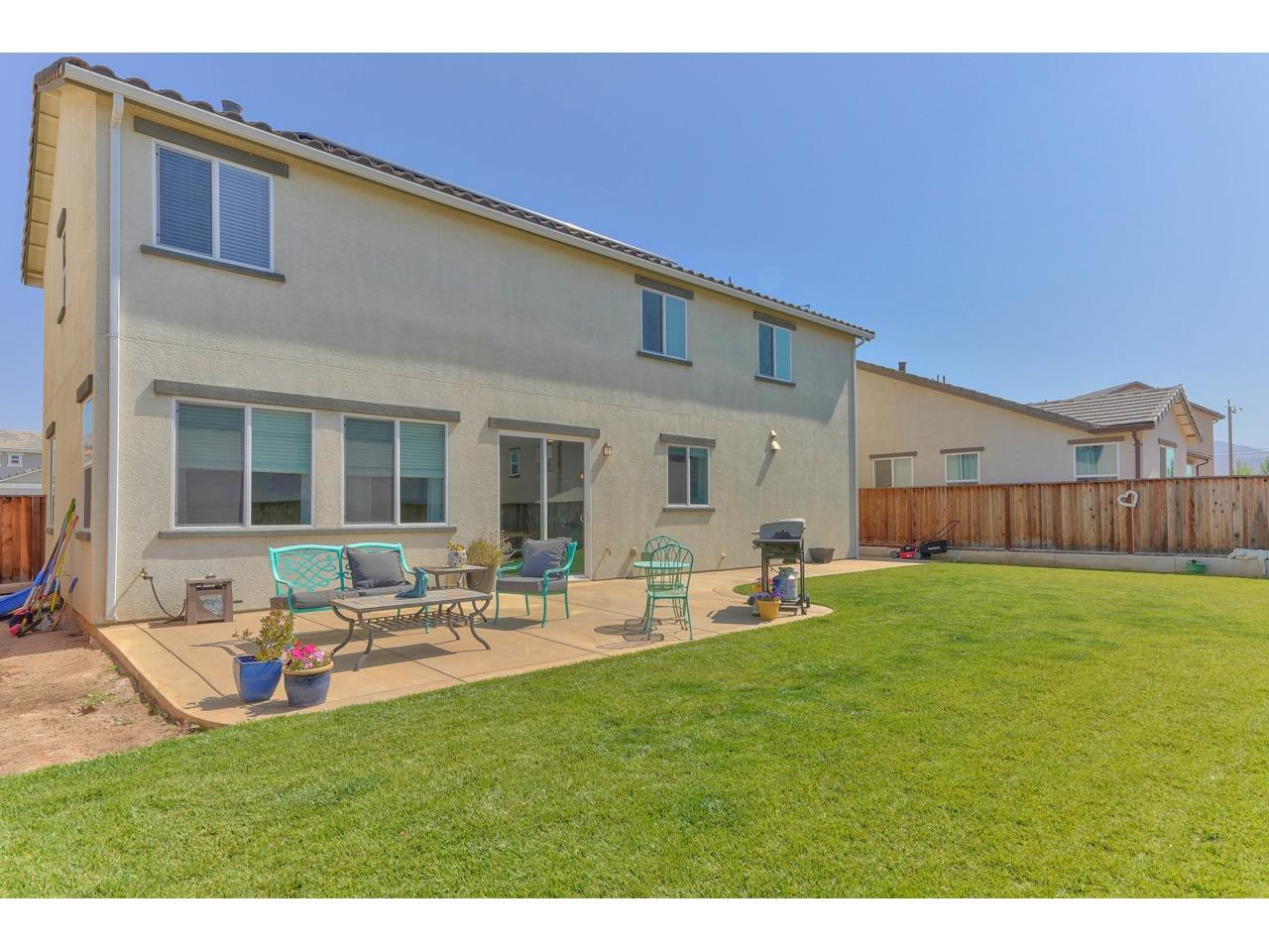 Detail Gallery Image 1 of 1 For 662 Summerfield Dr, Soledad,  CA 93960 - 4 Beds | 2/1 Baths