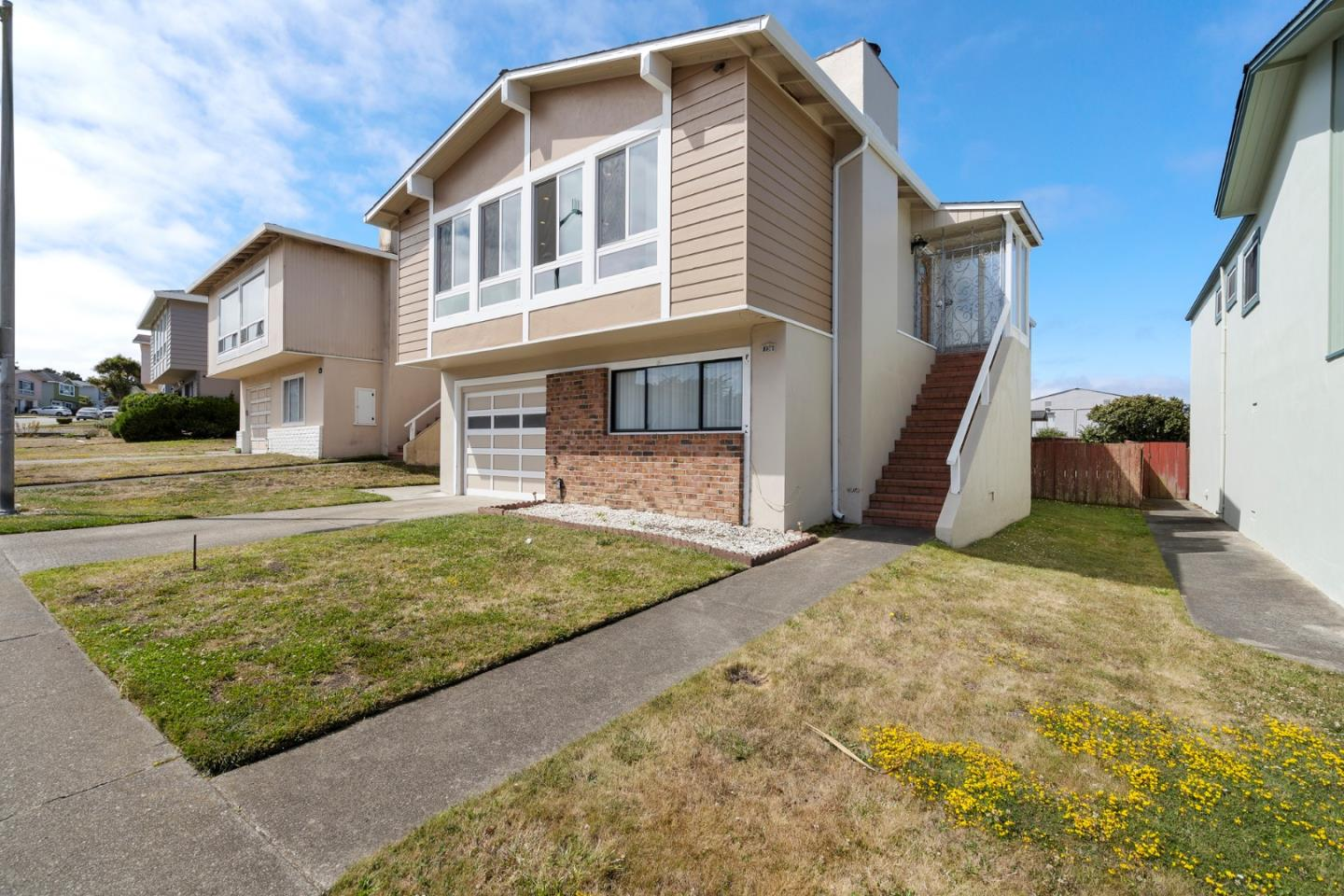 Detail Gallery Image 1 of 20 For 238 Sunshine Dr, Pacifica,  CA 94044 - 4 Beds   3 Baths