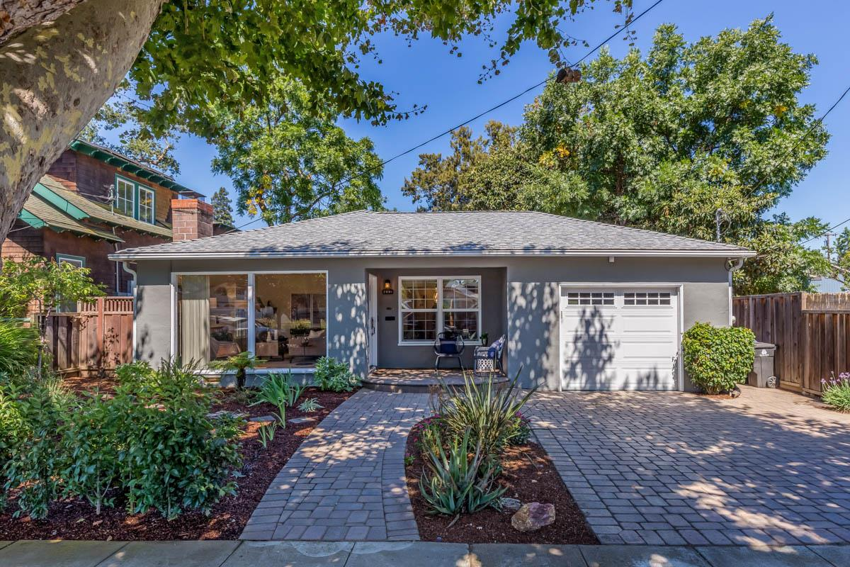 Detail Gallery Image 1 of 1 For 432 Pettis Ave, Mountain View,  CA 94041 - 2 Beds | 2 Baths
