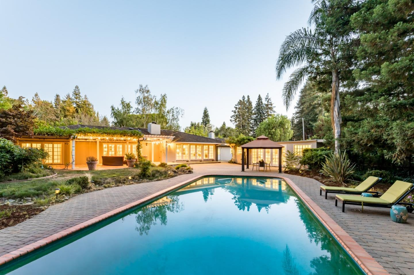 Detail Gallery Image 1 of 31 For 196 Patricia Dr, Atherton,  CA 94027 - 4 Beds   3 Baths