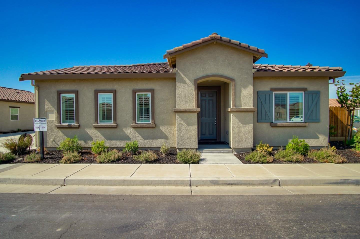 Detail Gallery Image 1 of 24 For 804 Fritz Dr, Los Banos,  CA 93635 - 2 Beds | 2 Baths