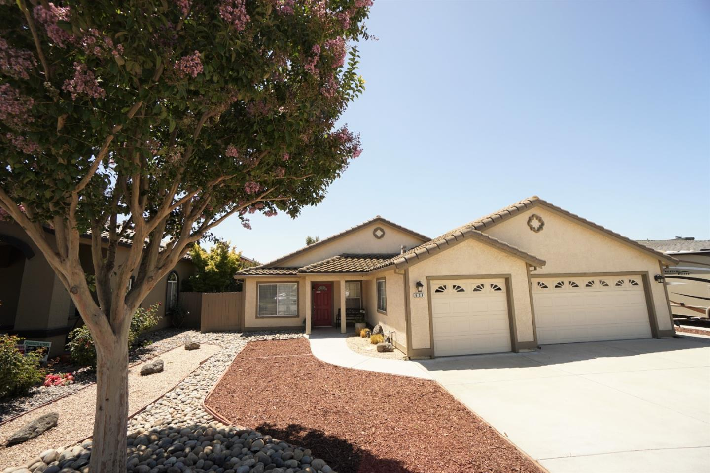 Detail Gallery Image 1 of 1 For 631 Liege Dr, Hollister,  CA 95023 - 4 Beds | 2 Baths