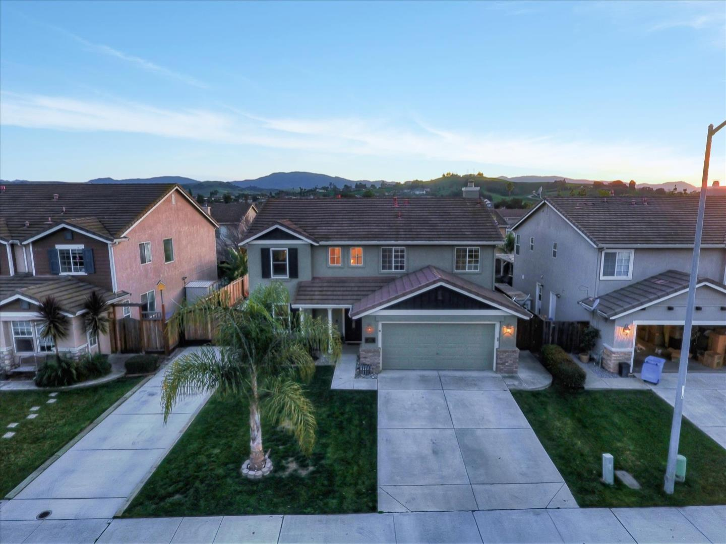 Detail Gallery Image 1 of 1 For 2590 Sadies Dr, Hollister,  CA 95023 - 3 Beds   2/1 Baths