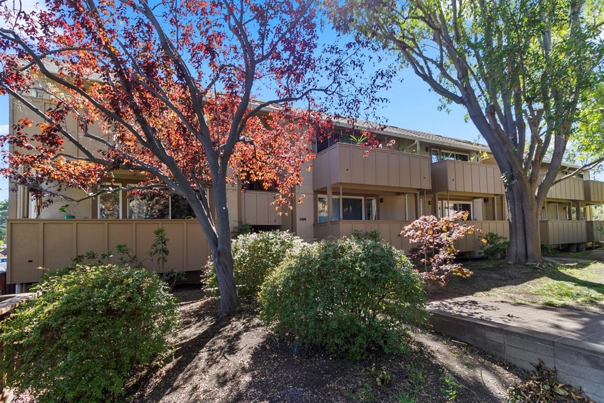 Detail Gallery Image 1 of 1 For 2460 W Bayshore Rd #3,  Palo Alto,  CA 94303 - 2 Beds | 1 Baths