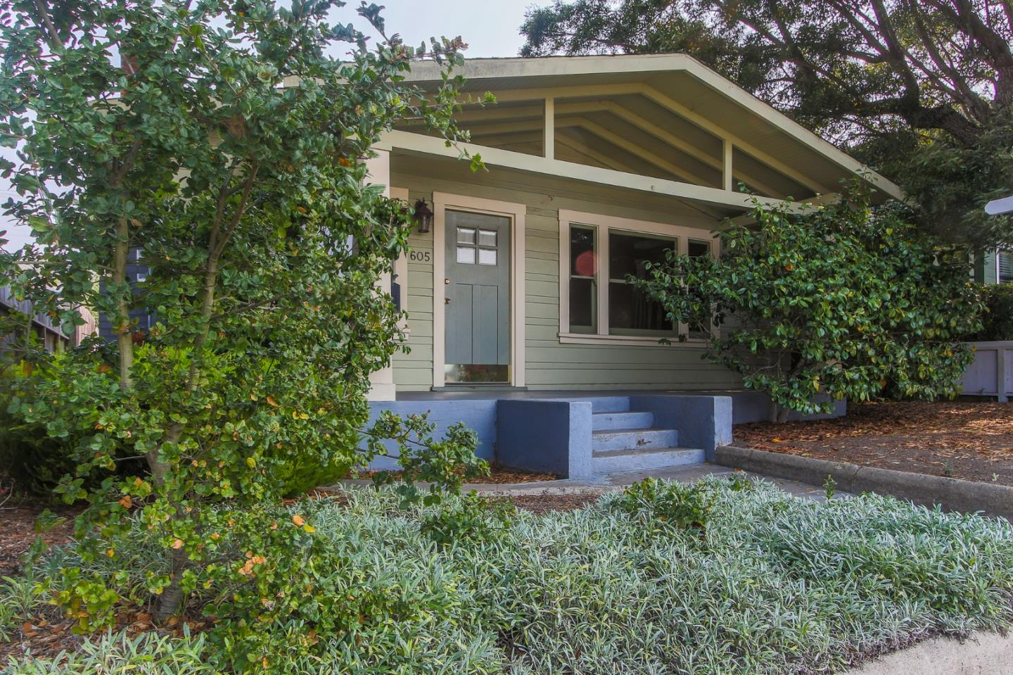 Detail Gallery Image 1 of 1 For 605 17th St, Pacific Grove,  CA 93950 - 4 Beds   2 Baths