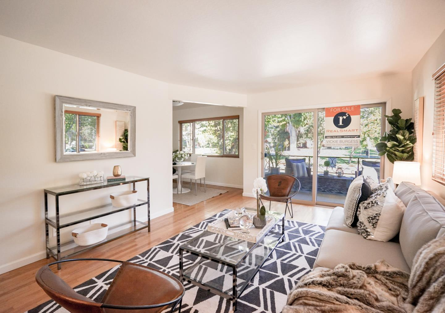 Detail Gallery Image 1 of 16 For 296 Waverley St, Palo Alto,  CA 94301 - 2 Beds | 2 Baths