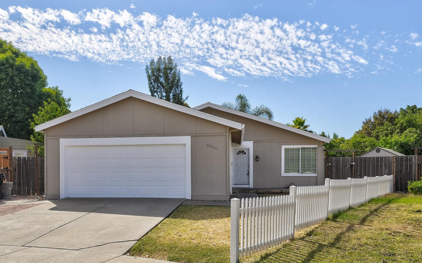 Detail Gallery Image 1 of 1 For 6882 Ivegill Ct, San Jose,  CA 95119 - 3 Beds   2 Baths