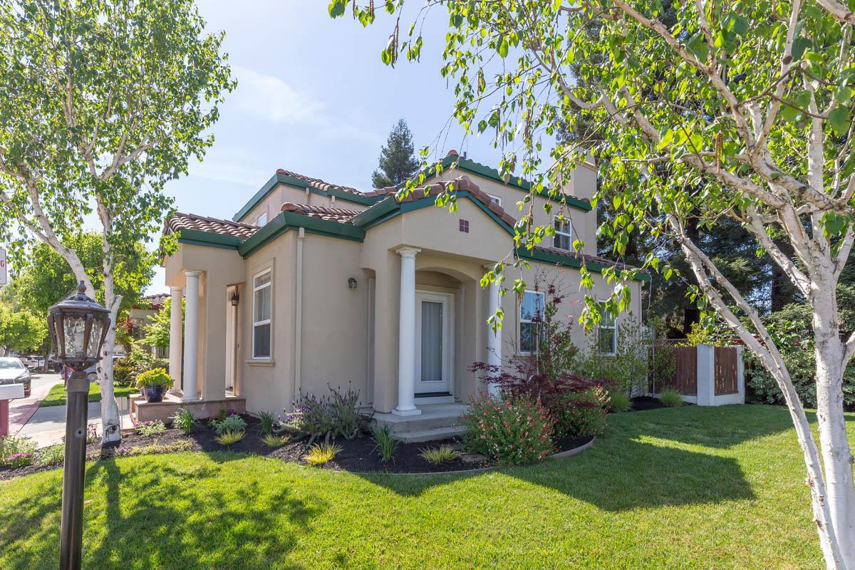 Detail Gallery Image 1 of 19 For 317 Serra San Bruno, Mountain View,  CA 94043 - 3 Beds | 2/1 Baths