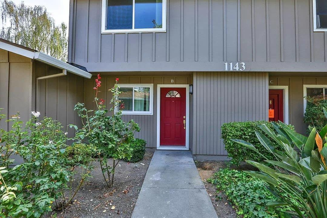 Location! Location!!  Location!!! Remodeled spacious townhouse with 2 beds, 1.5 baths for sale. This Townhome features good looking kitchen with granite countertop, tile flooring, stainless steel oven range and stainless steel hood. Both half bathroom and full bathrooms were remodeled few years back with new vanity,  Refinished hardwood floors,  Recently painted interior and exterior. Fully done Backyard. One covered carport next to the townhouse with 2 extra storages. This  townhouse is located at the heart of silicon valley, centrally located to all major Tech companies (Apple, Facebook, Google, Amazon, Nvidia and many more tech companies). Walking distance to CalTrain station, Costco and Indian Super markets,  Nobhill Market, Starbucks, and California Pizza Kitchen. 10 minutes drive to Indian, Chinese and Korean markets. Excellent Sunnyvale location with easy access to all major freeways 101, 237, 280 and Central Expressway. This townhome is located in beautiful neighborhood.
