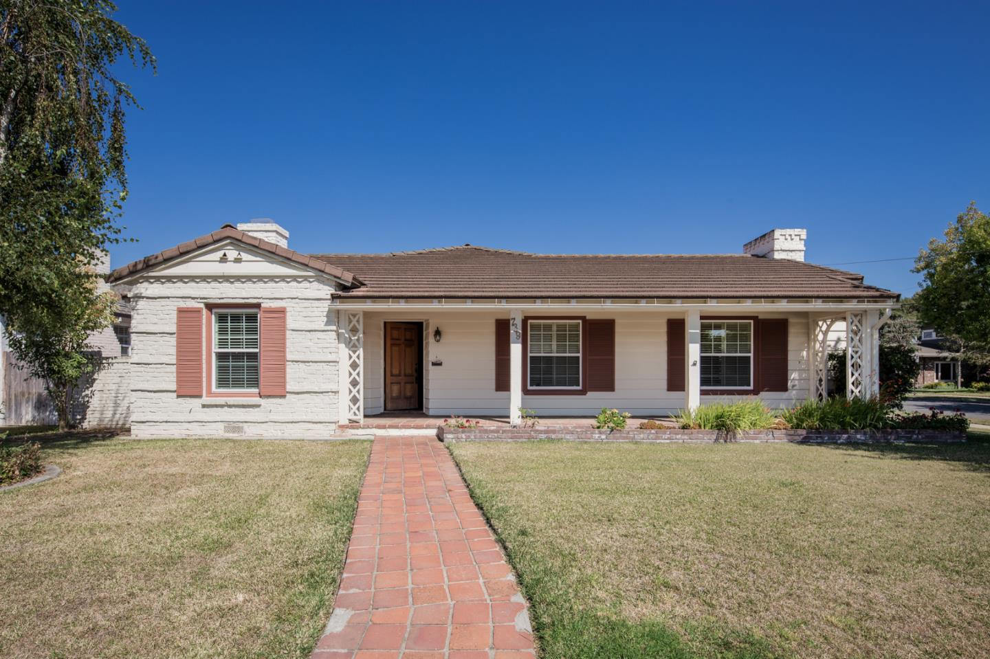 Detail Gallery Image 1 of 1 For 739 California St, Salinas,  CA 93901 - 3 Beds | 2 Baths