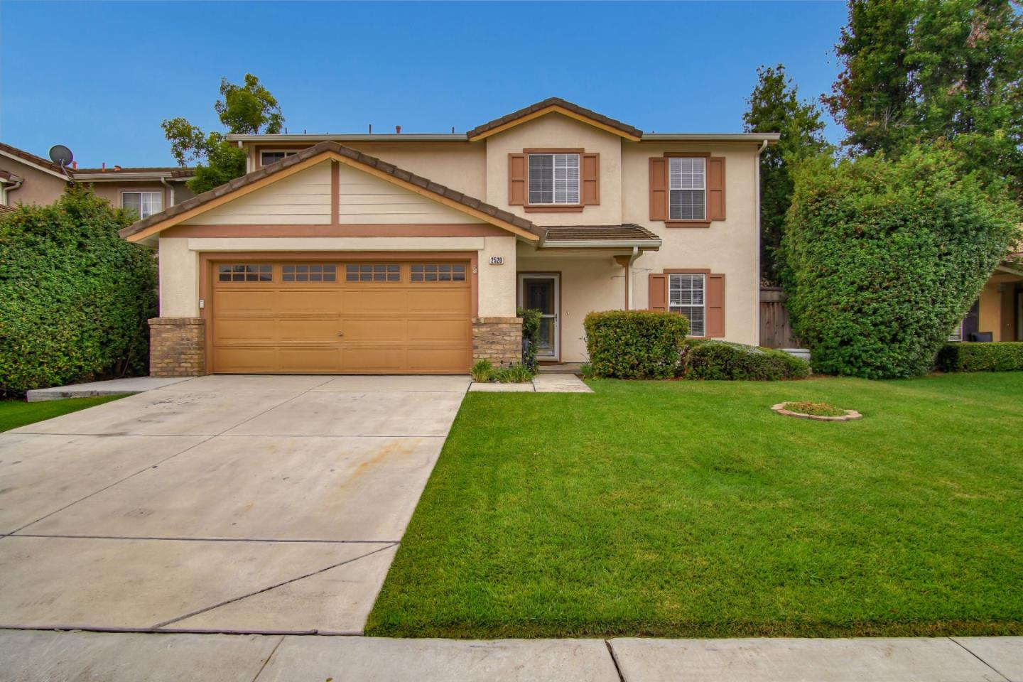 Detail Gallery Image 1 of 1 For 2520 Glenview Dr, Hollister,  CA 95023 - 4 Beds | 2/1 Baths