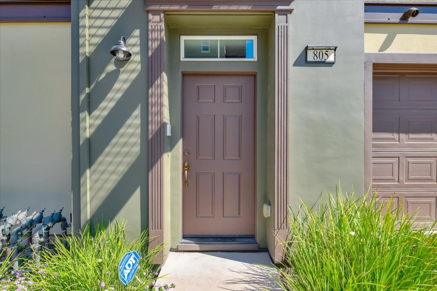Detail Gallery Image 1 of 1 For 805 Font Ter, San Jose,  CA 95126 - 2 Beds   2/1 Baths