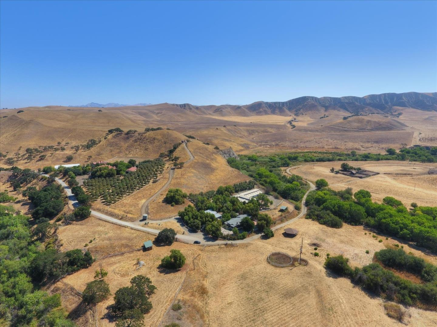 Detail Gallery Image 1 of 68 For 2751 Thomas Rd, Hollister,  CA 95023 - 2 Beds | 2 Baths