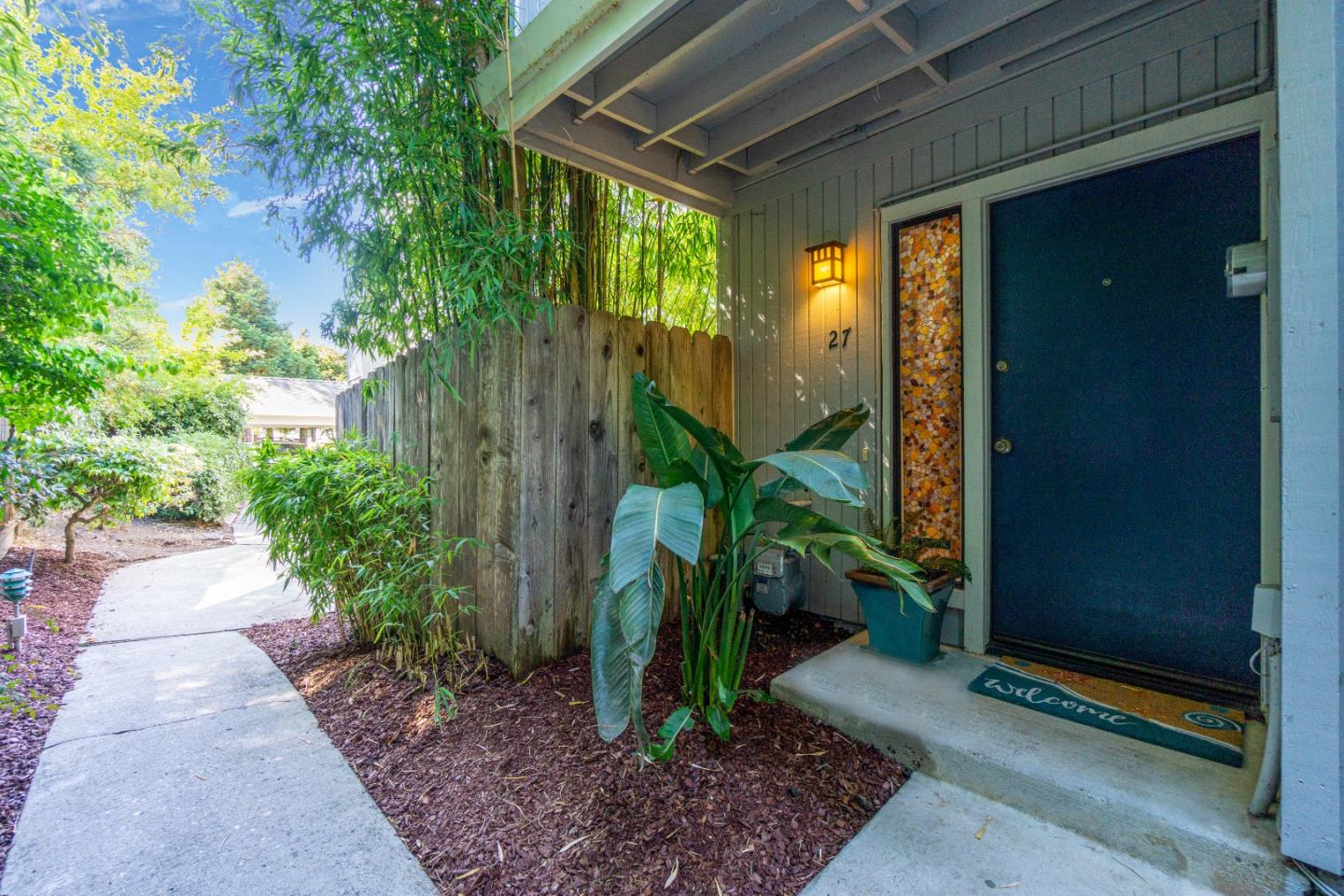 Detail Gallery Image 1 of 1 For 1200 Capitola Rd #27,  Santa Cruz,  CA 95062 - 3 Beds | 1/1 Baths