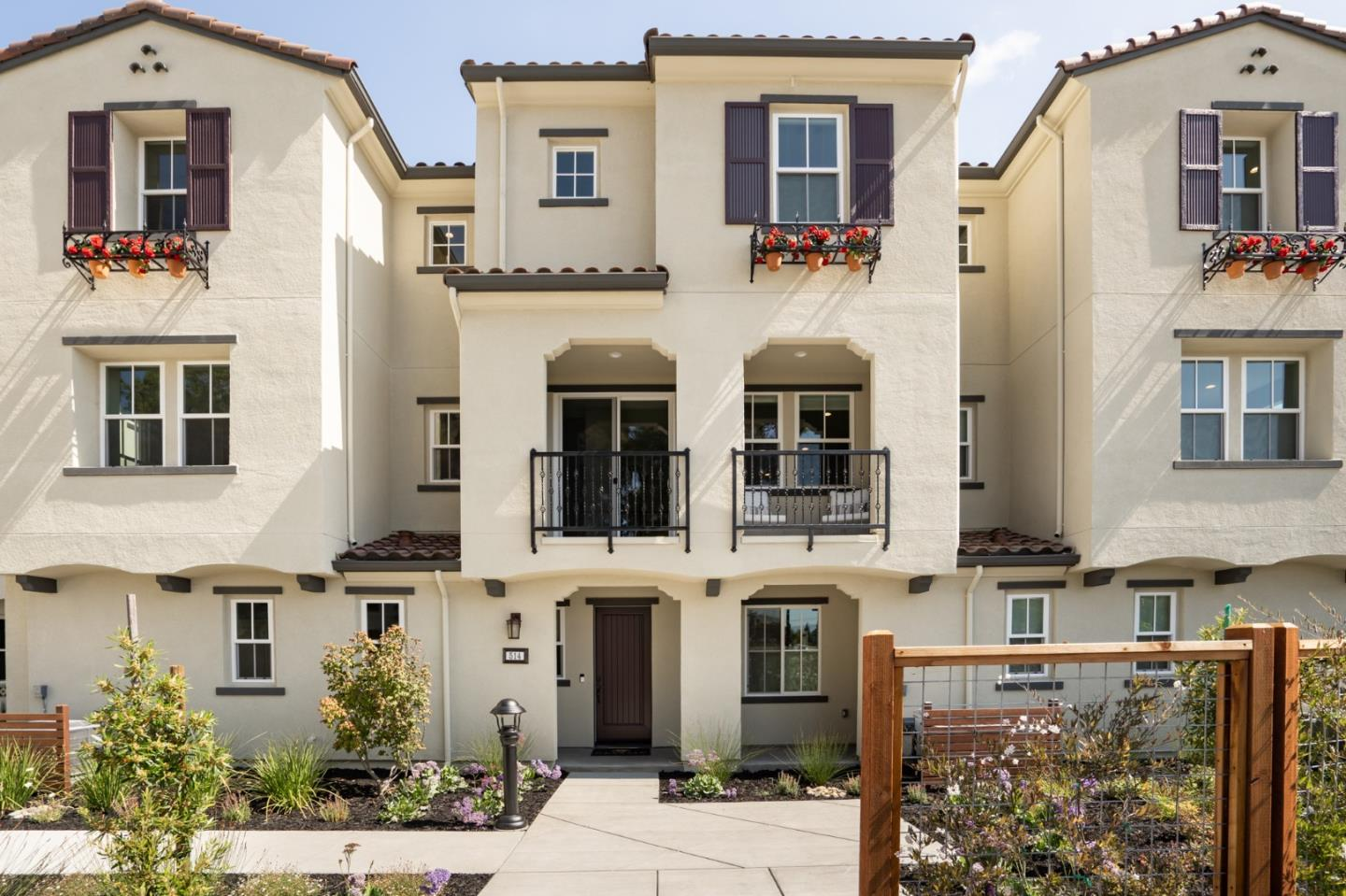 Detail Gallery Image 1 of 27 For 515 Sardinia Ter, Sunnyvale,  CA 94089 - 3 Beds | 3/1 Baths