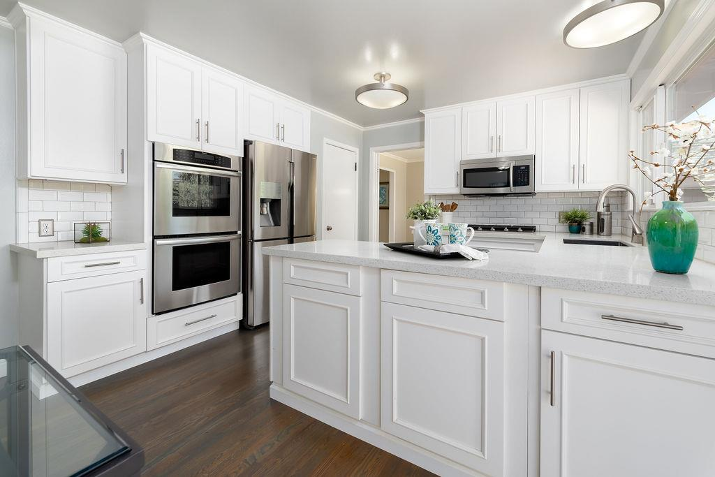 Detail Gallery Image 1 of 1 For 1125 Clydebank Ct, Sunnyvale,  CA 94087 - 4 Beds   3 Baths