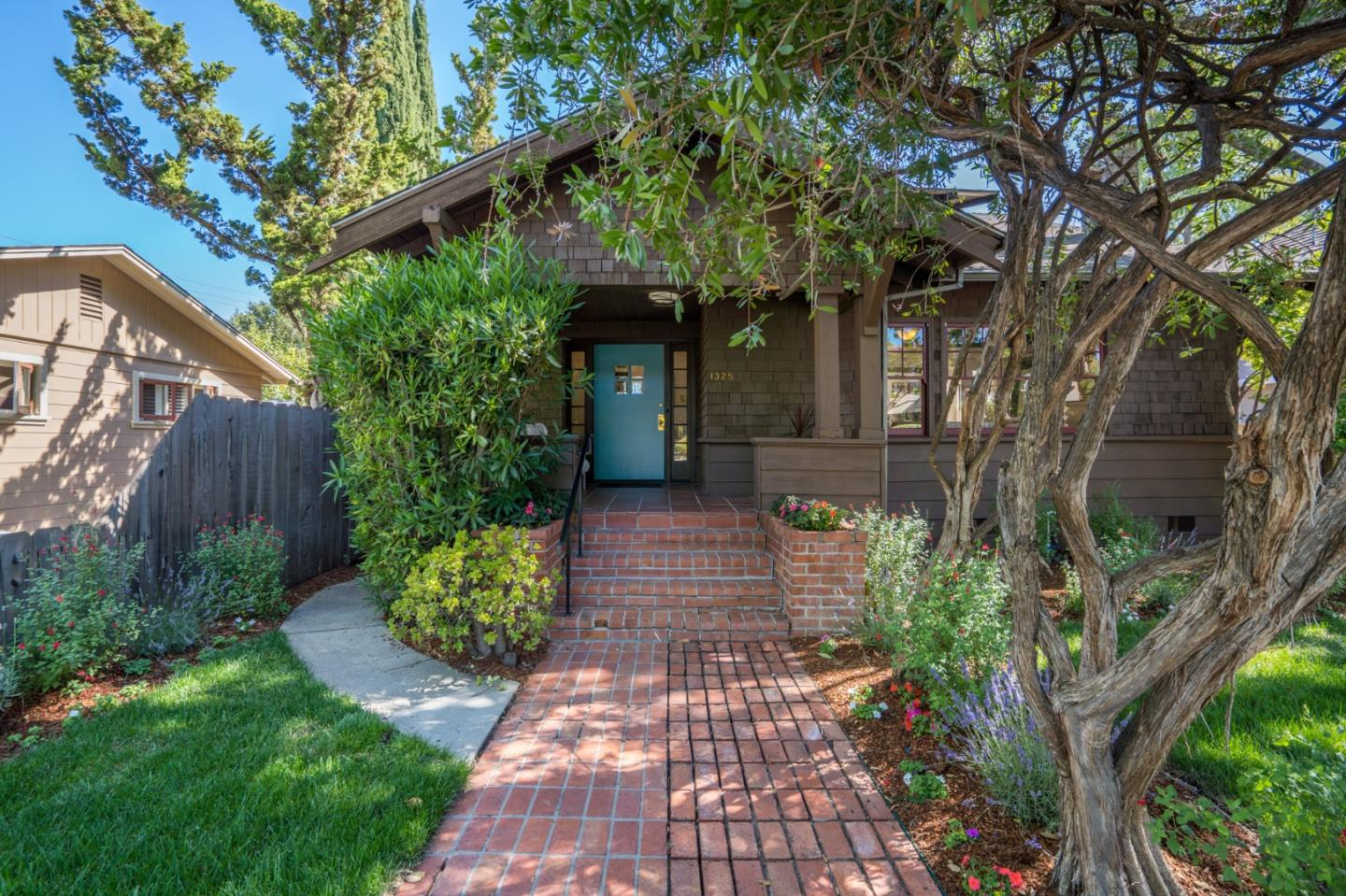 Detail Gallery Image 1 of 1 For 1325 Bryant St, Palo Alto,  CA 94301 - 4 Beds | 2 Baths