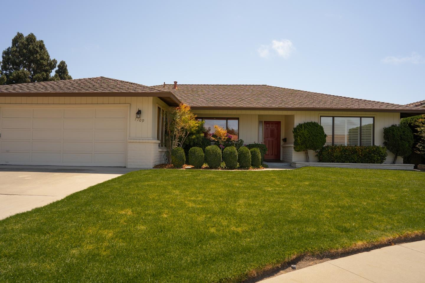 Detail Gallery Image 1 of 1 For 1109 Aspen Pl, Salinas,  CA 93901 - 3 Beds   2/1 Baths