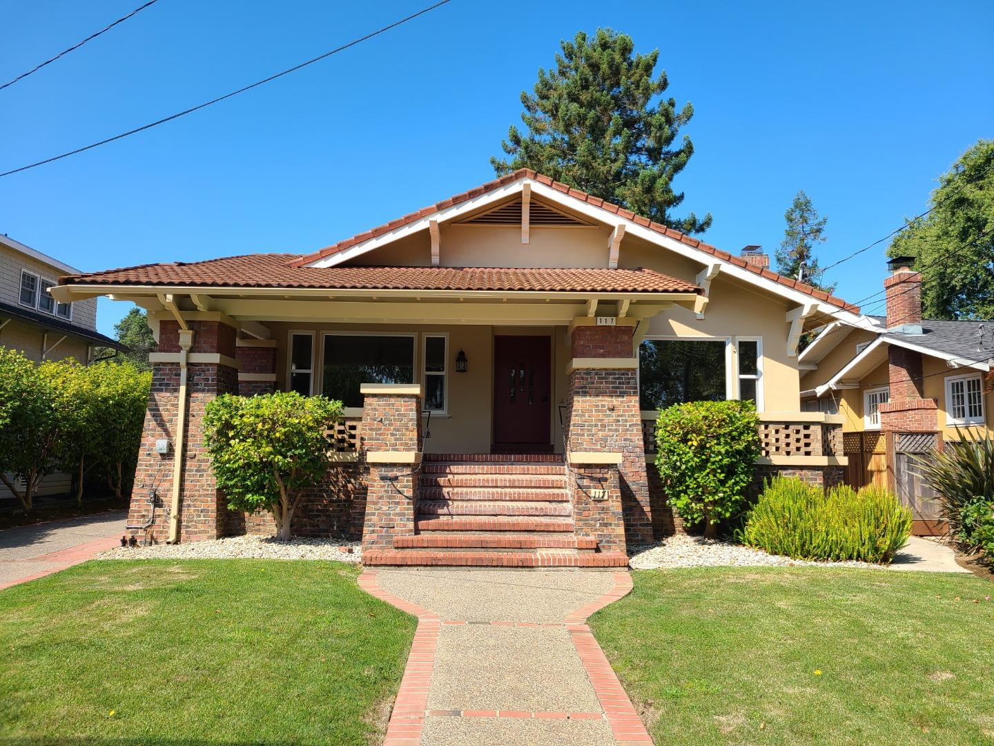 Detail Gallery Image 1 of 27 For 117 Crescent Ave, Burlingame,  CA 94010 - 4 Beds   3/2 Baths