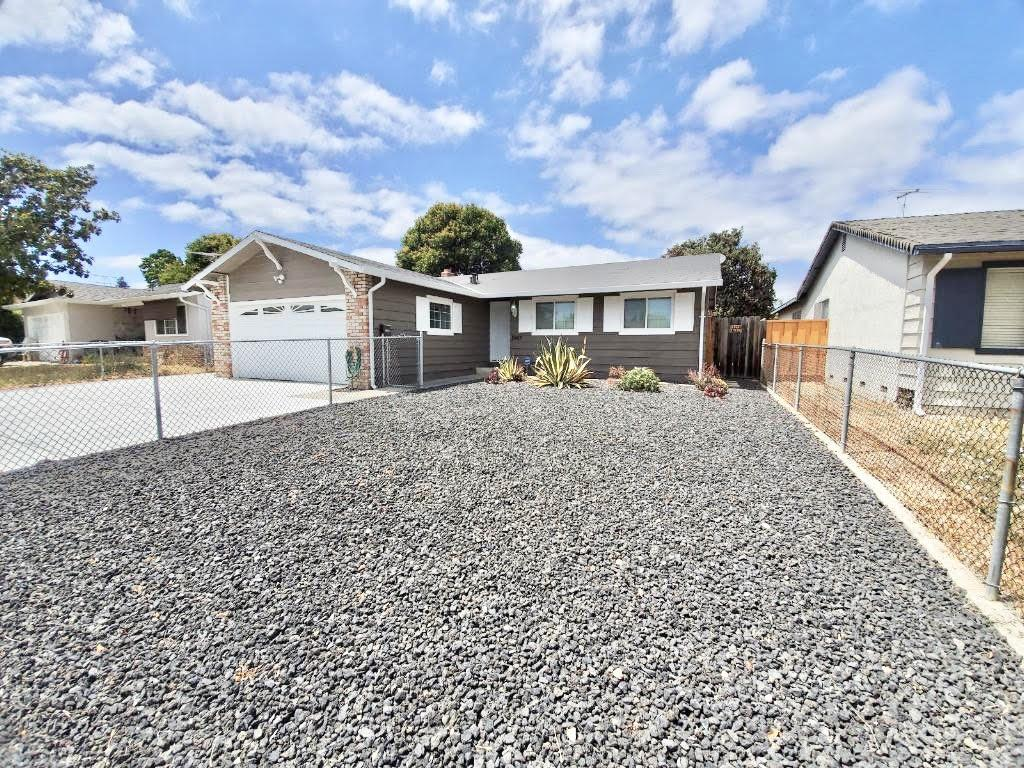 Detail Gallery Image 1 of 1 For 2463 Lucerne Way, San Jose,  CA 95122 - 3 Beds   2 Baths