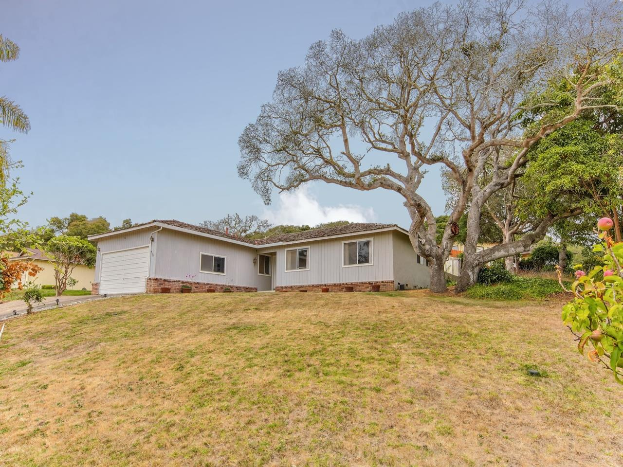 Detail Gallery Image 1 of 1 For 9150 Canyon Oak Rd, Salinas,  CA 93907 - 3 Beds | 2 Baths