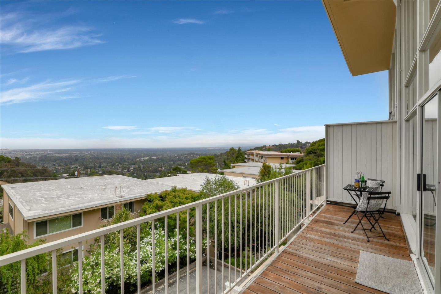 Detail Gallery Image 1 of 40 For 2987 Melendy Dr #4,  San Carlos,  CA 94070 - 3 Beds | 2 Baths
