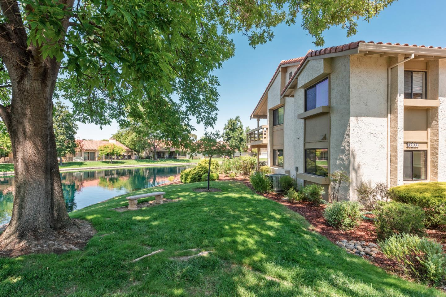 Detail Gallery Image 1 of 1 For 8429 Beaujolais Ct, San Jose,  CA 95135 - 2 Beds | 2 Baths