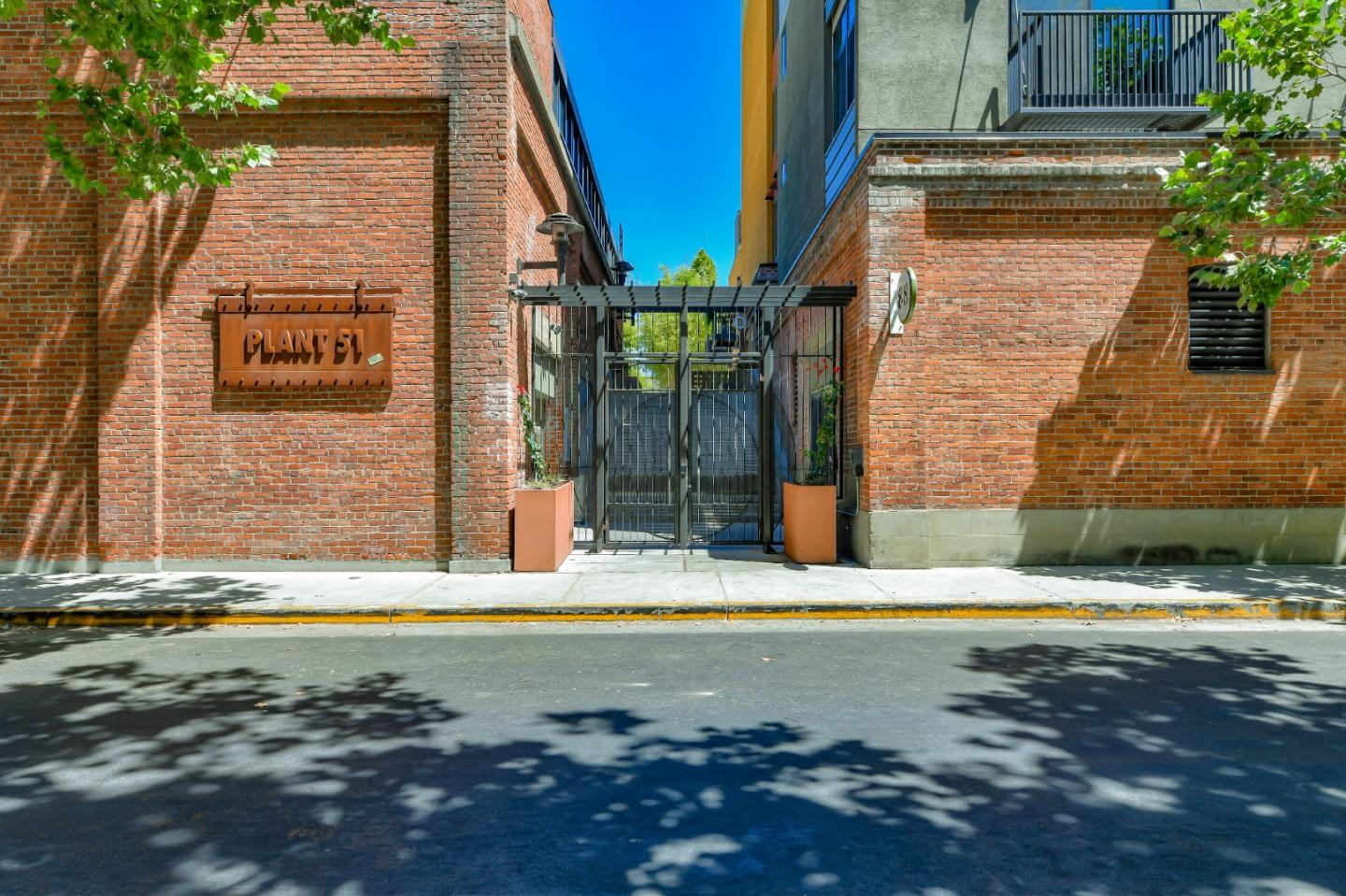 Detail Gallery Image 1 of 31 For 88 Bush St #3186,  San Jose,  CA 95126 - 2 Beds | 2 Baths