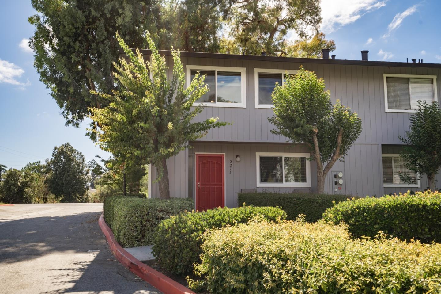 Detail Gallery Image 1 of 44 For 2274 Almaden Rd, San Jose,  CA 95125 - 3 Beds | 2/1 Baths