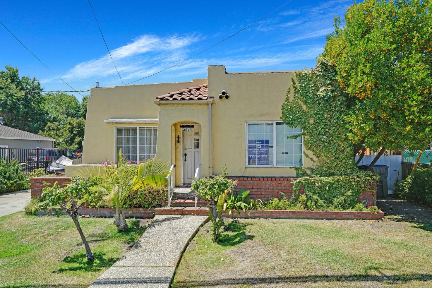 Detail Gallery Image 1 of 18 For 461 S White Rd, San Jose,  CA 95127 - 4 Beds | 2/1 Baths