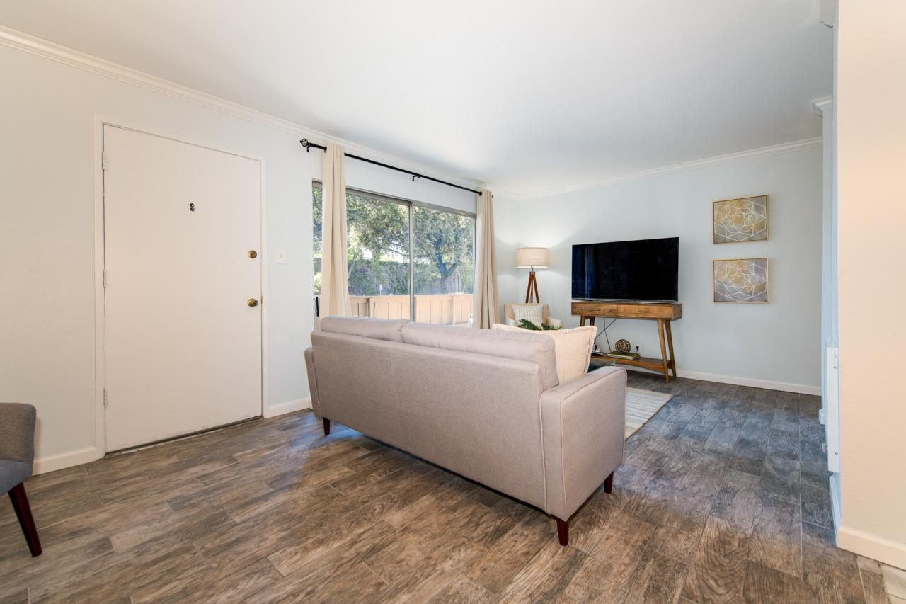 Detail Gallery Image 1 of 15 For 490 Auburn Way #22,  San Jose,  CA 95129 - 2 Beds | 1 Baths