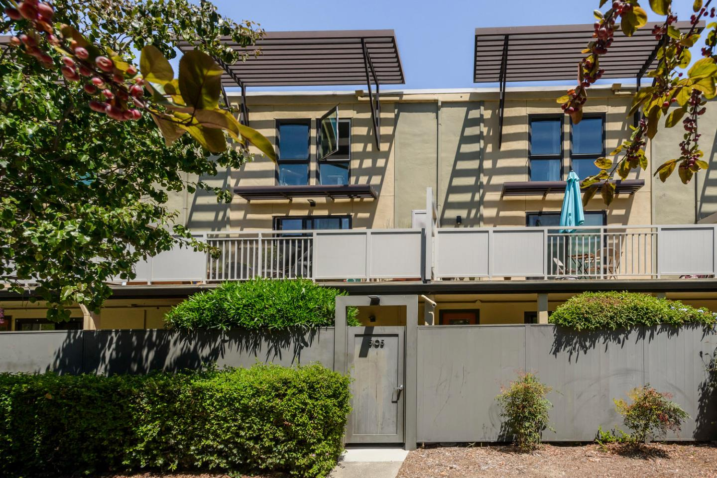 Detail Gallery Image 1 of 1 For 5105 Admiralty Ln, Foster City,  CA 94404 - 2 Beds | 2 Baths