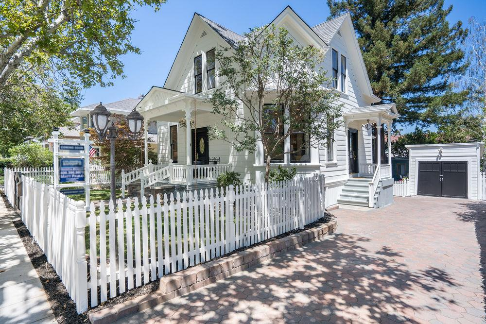 Detail Gallery Image 1 of 1 For 44 Broadway, Los Gatos,  CA 95030 - 5 Beds   2/1 Baths