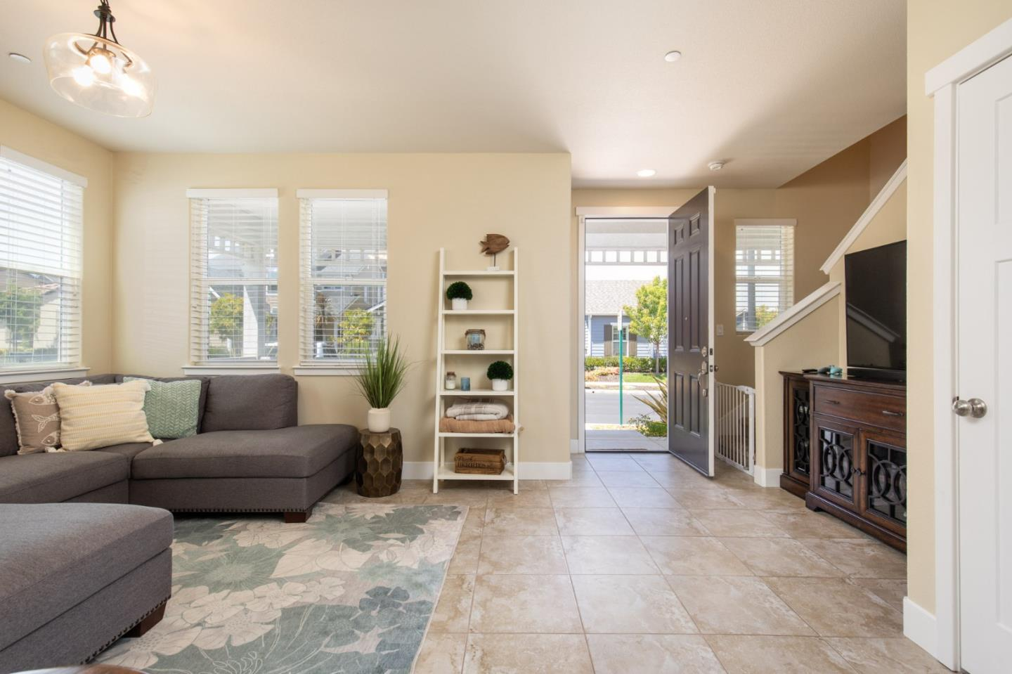 Detail Gallery Image 1 of 1 For 18219 Caldwell St, Marina,  CA 93933 - 3 Beds   2/1 Baths