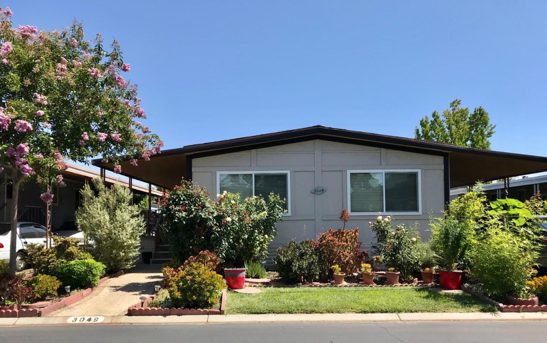 Detail Gallery Image 1 of 9 For 3049 Oakbridge Dr #3049,  San Jose,  CA 95121 - 2 Beds | 2 Baths