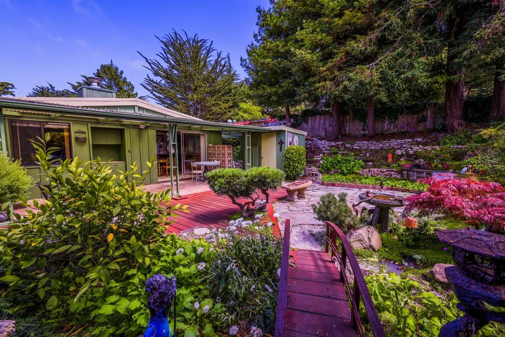 Detail Gallery Image 1 of 1 For 1104 Kenet Pl, Pacific Grove,  CA 93950 - 3 Beds | 2 Baths
