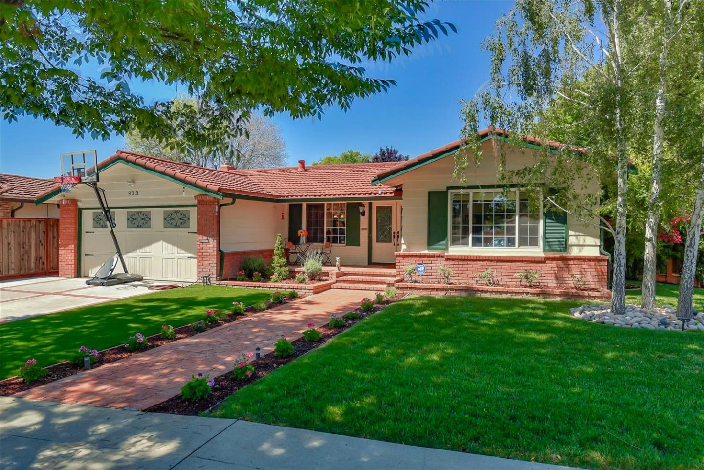 Detail Gallery Image 1 of 1 For 903 Lanewood Dr, San Jose,  CA 95125 - 4 Beds   2 Baths
