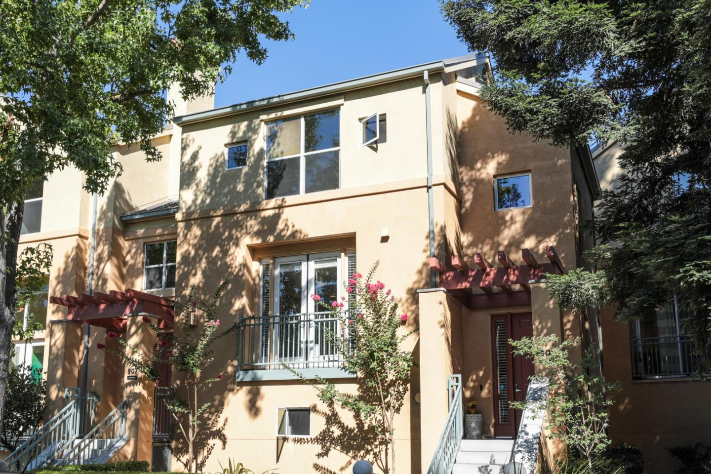 Detail Gallery Image 1 of 1 For 909 Camille Ln, Mountain View,  CA 94040 - 2 Beds | 2/1 Baths