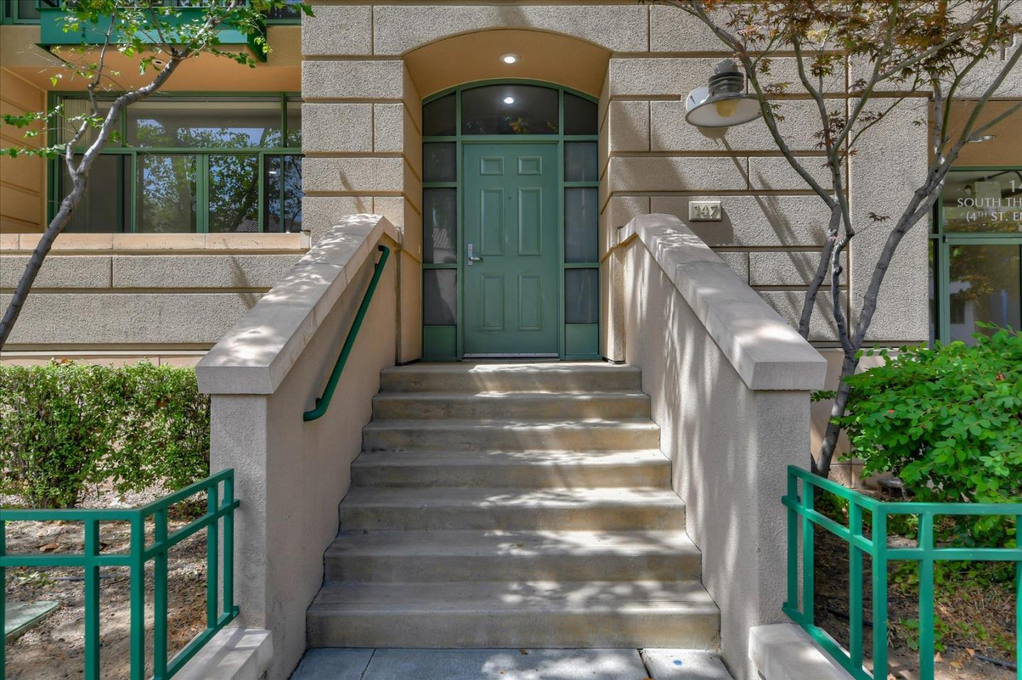 Detail Gallery Image 1 of 1 For 147 S 4th St #147,  San Jose,  CA 95112 - 2 Beds | 2/1 Baths