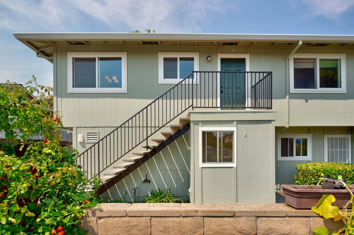 Detail Gallery Image 1 of 1 For 1135 Reed Ave #D,  Sunnyvale,  CA 94086 - 2 Beds | 1 Baths