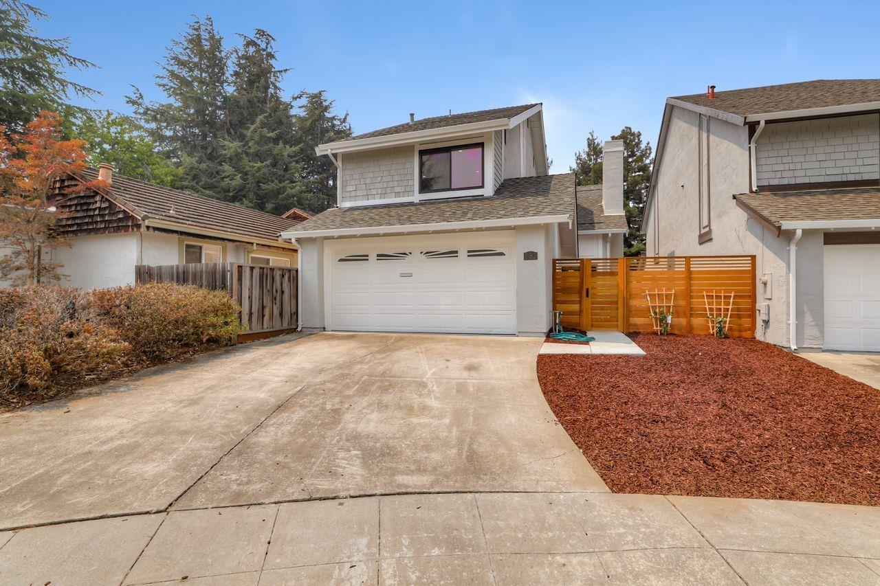 Detail Gallery Image 1 of 1 For 135 Carson Ct, Sunnyvale,  CA 94086 - 3 Beds | 2/1 Baths