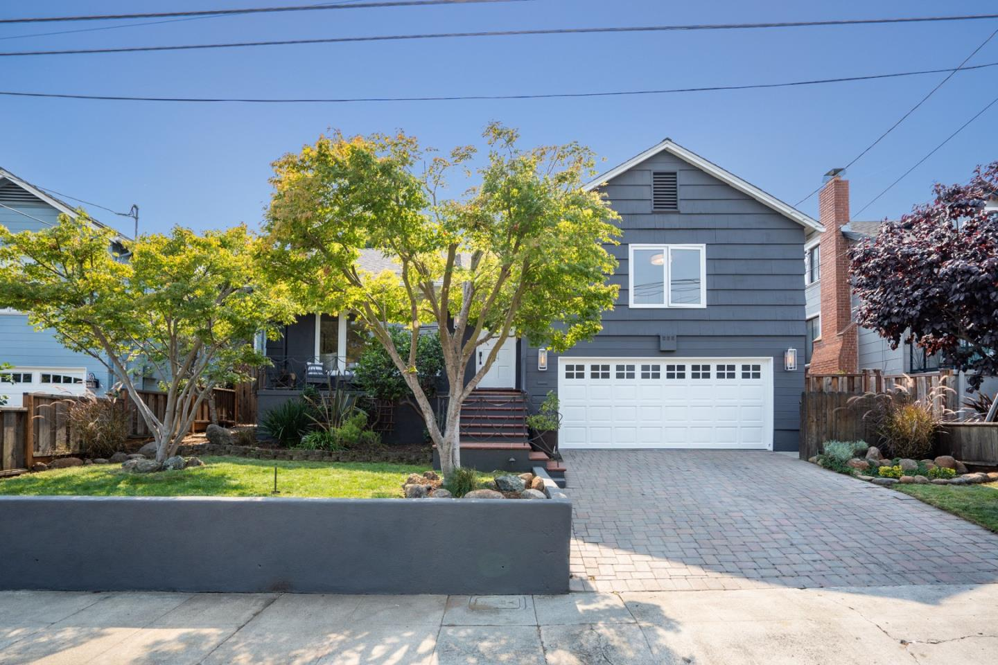 Detail Gallery Image 1 of 1 For 832 Orange Ave, San Carlos,  CA 94070 - 4 Beds   2 Baths