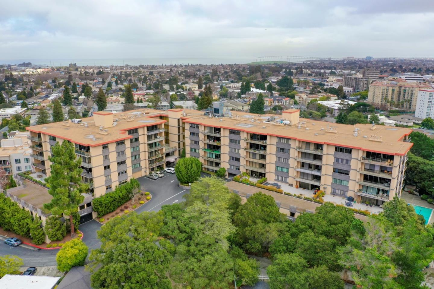 Detail Gallery Image 1 of 14 For 50 Mounds Rd #206,  San Mateo,  CA 94402 - 2 Beds | 2 Baths