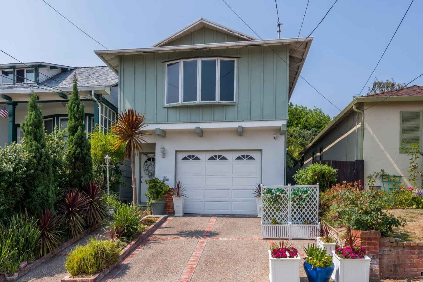 Detail Gallery Image 1 of 1 For 421 Cypress Ave, San Bruno,  CA 94066 - 3 Beds | 2/1 Baths