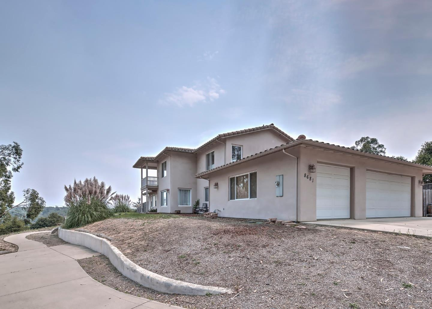 Detail Gallery Image 1 of 1 For 8681 Woodland Heights Ct, Salinas,  CA 93907 - 4 Beds | 3 Baths
