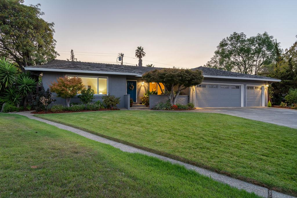 Detail Gallery Image 1 of 1 For 581 Tioga Ct, Sunnyvale,  CA 94087 - 4 Beds | 2/1 Baths
