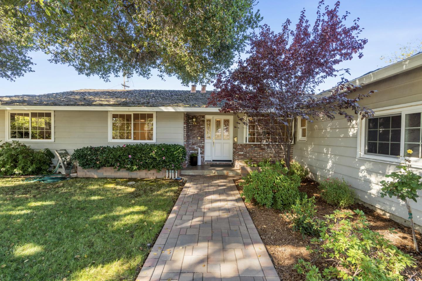 Detail Gallery Image 1 of 25 For 1431 Belleville Way, Sunnyvale,  CA 94087 - 4 Beds | 2/1 Baths