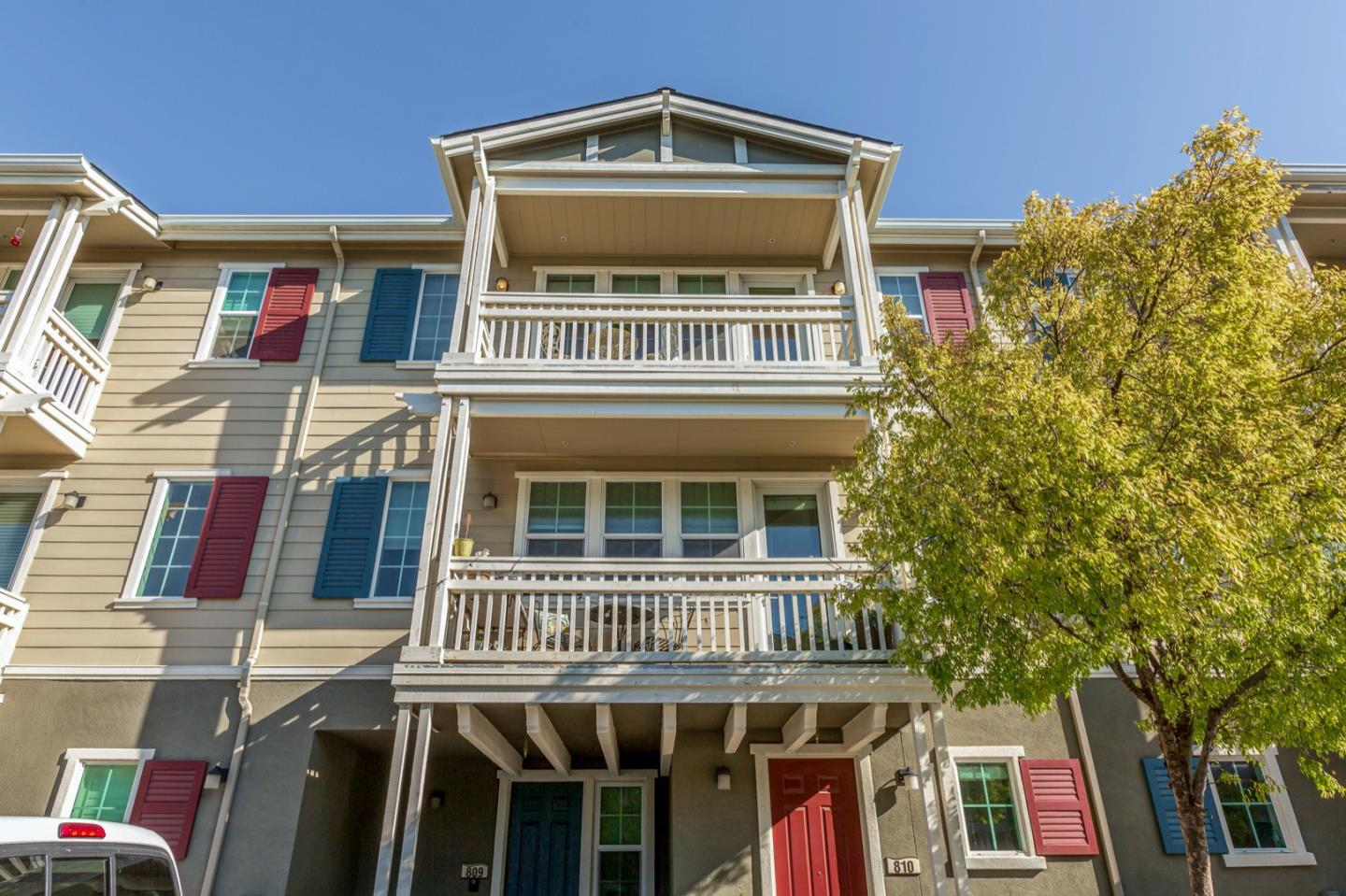 Detail Gallery Image 1 of 1 For 634 True Wind Way #809,  Redwood City,  CA 94063 - 3 Beds | 2/1 Baths
