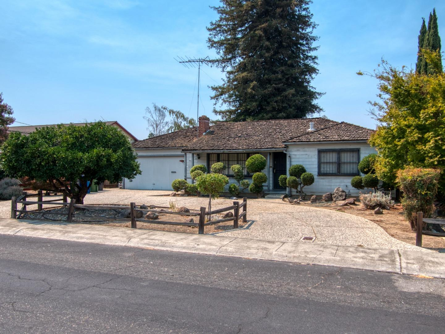 Detail Gallery Image 1 of 22 For 453 Carlyn Ave, Campbell,  CA 95008 - 2 Beds   2 Baths